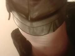 Quick Upskirt of MILF with a Bare Ass