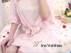 Serious solo play along young Miina Yoshihara