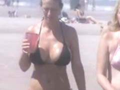 hot milf beach voyeur 9 and 10 huge jiggly tits