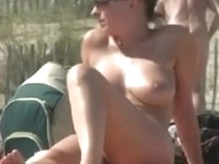 Hawt Mother I'd Like To Fuck Exposes Her Marangos on Bare Beach