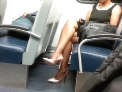 Mature Ebony Lady Sexy Legs & High Heels