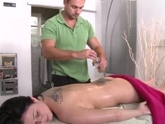 Loni's back spot is the focal point for masseur