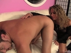 Pervy Milf Amanda Eats Ass Then Fucked