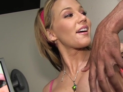 Nikki Sexx sucks BBC at gloryhole