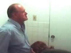 fake spy redhead gives old boyfrend head in bath