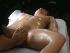 wet crack massage