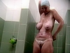 Hidden voyeur spy camera mature mature spied in shower taking a bath