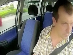 Dude fucked this bitch in a car and mystically filmed her