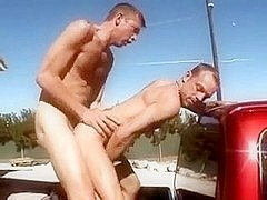 Two hunks went to the outdoors to have gay sex