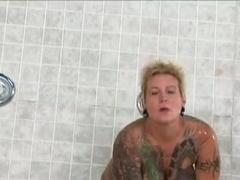 Backwidow Jodi shower sex with Sascha