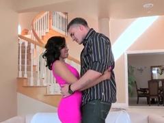 Lusty ebony hottie Yasmine de Leon gets fingered by Clover