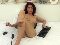 LJ berrenicexx naked in bed - beautiful redhead.
