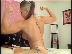 muscle posing3