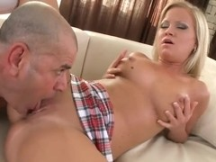 Sunny Diamond swallows her friend's cock for a rough drill
