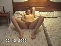 concupiscent wife faye plaing with her bald wet crack