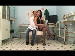 IL MEDICO DI FIDUCIA DI MAMA (2011) FULL VIDEO