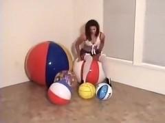 Trish High Heel's 5 Beachballs
