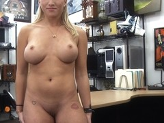 Petite and blonde woman wants to sell her weapons gets fucked