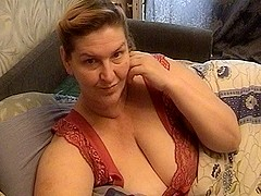 Mature amateur vid shows me play with my mature tits