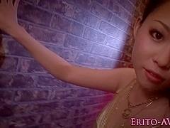 Japanese beauty Anjie Esuwan in bikini massaged with oil