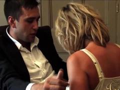 JOYBEAR Interviewing a Boxer