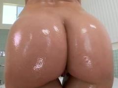 Sexy babe Anikka Albrite has a nice big ass