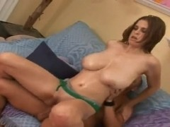 Sexy curve Brianna Bragg does the titjob for her boyfriend Josh