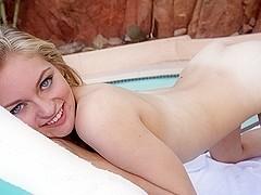 Alli Rae In Bikini Babe
