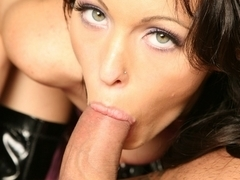 Jenna Presley's about to show her BJ skills