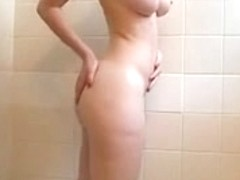 Hawt hotty bare in the shower showing her body