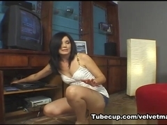 Dark Haired MILF, Velvet Licx Gets her Pussy Filled!