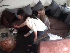 Realsklave heimlich gefilmt - Teil 2
