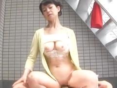 Japanese AV Model naughty mature babe seduces horny guy outside