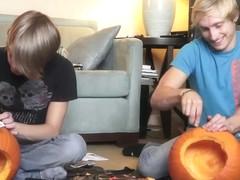 8Teenboy Video Hall-O-Weenie