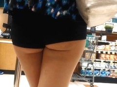Hot Teens in Booty Shorts