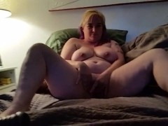 Slut wife gapes herself on massive toys