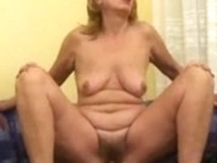 Mom with flabby body, saggy tits & hairy cunt