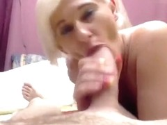 Hornebees made blowjob her boyfriend