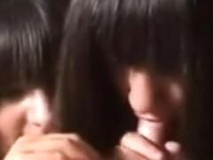 Twin GFs engulfing a diminutive knob